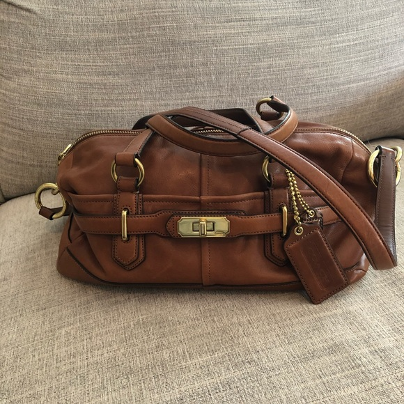 Coach Chelsea Leather Reese Convertible Bag
